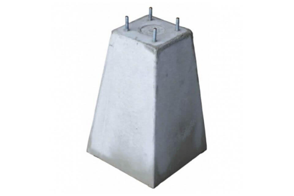 Betonpoer 15x15x35 cm met 4x draadeind M10