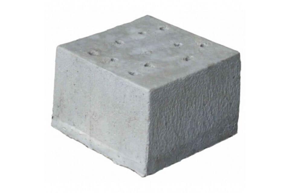 Betonpoer 30x30x20 cm met 10 gaten