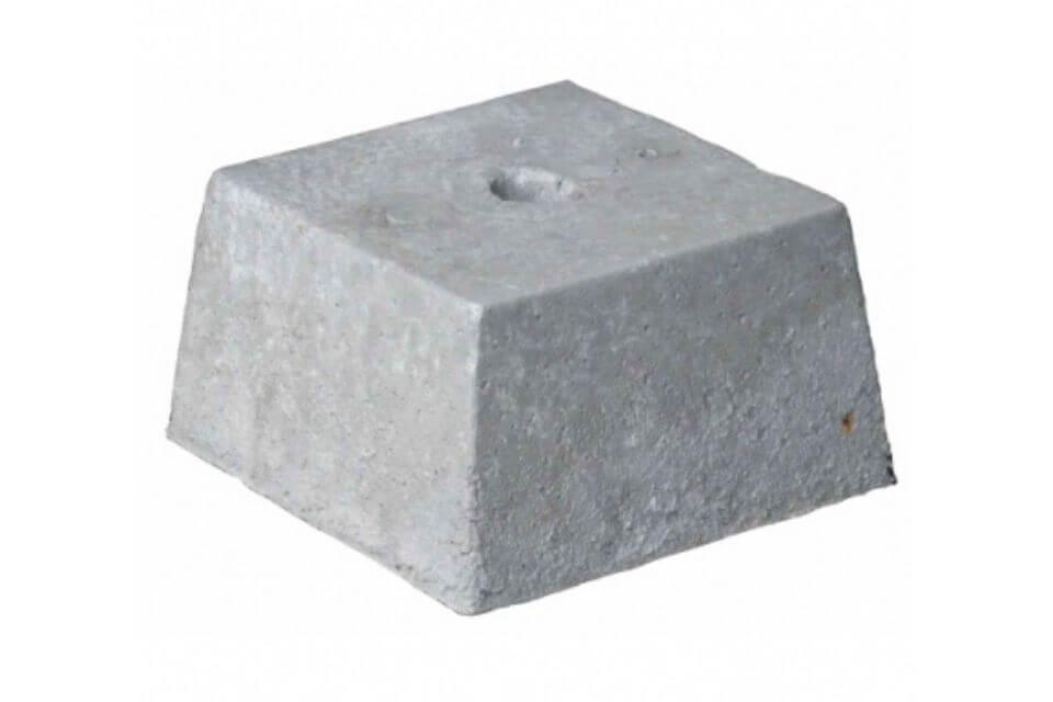 Betonpoer 30x30x20 cm met gat