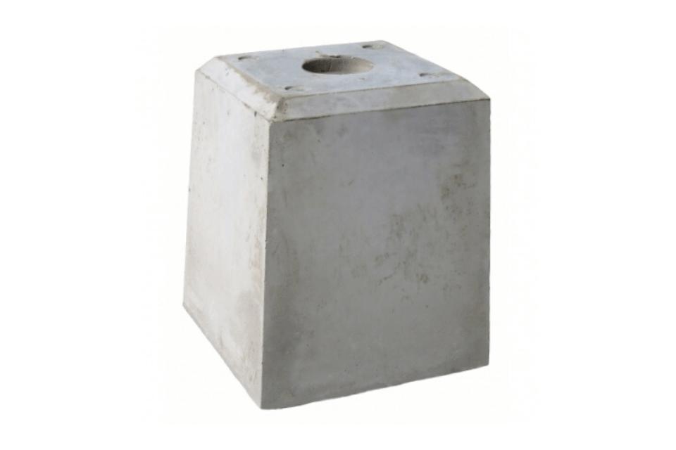 Betonpoer 21x21x28 met 1 schroefhuls M12
